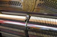 koncertowe-pianino-Petrof-w-politurze-mechanizm