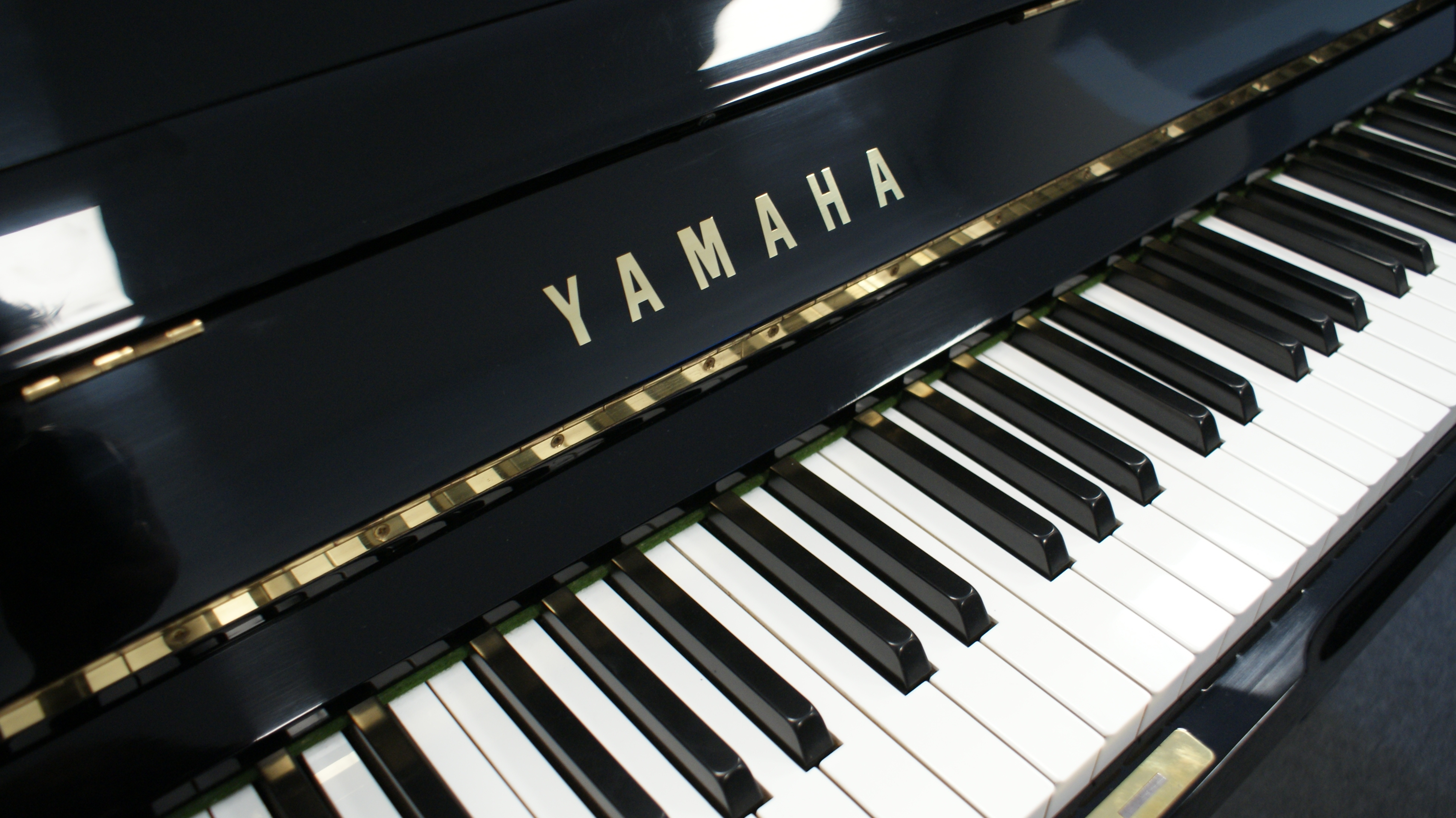 Pianino Yamaha-U3H nr seryjny 2551377